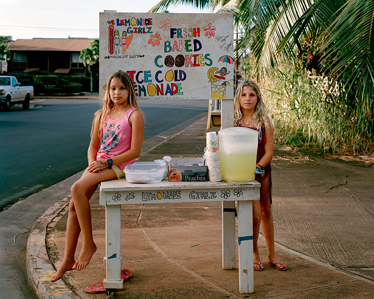 Lemonade Stand, Hawaii 2014, from the series O'ahu © Phil Jung